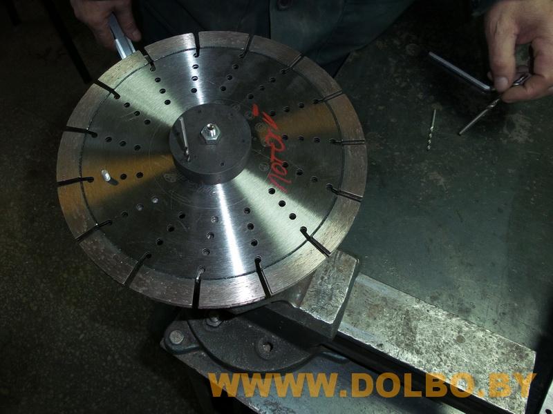 Изготовление, продажа приспособлений и дополнительной оснастки для алмазной резки  dolbo1